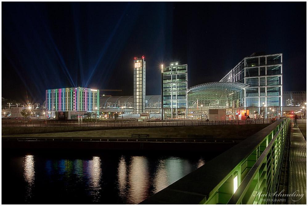 Berlin Hauptbahnhof bei Nacht