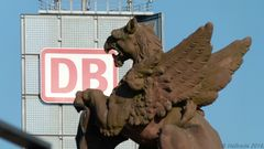 Berlin Hauptbahnhof - Niemand muss an unserem Image nagen, das besorgen wir schon selbst