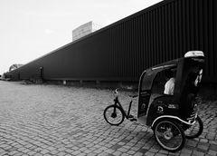 Berlin, Juni 2013: beim Event, ganz abgelegen