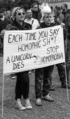 Berlin, Mai 2015: Jedes Mal wenn du homophische Scheiße laberst, stirbt ein Einhorn