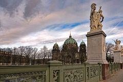BERLIN MITTE   - Blick zum Dom -