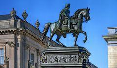 BERLIN  - Reiterstandbild Friedrichs des Großen -