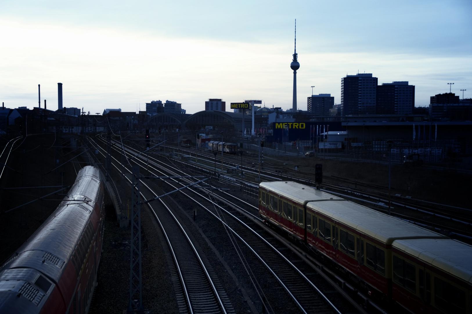 Berlin, Skyline im Restlicht, Standort Warschauer Straße