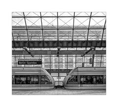"Berlin-Spandau "" Bahnhofsimpressionen*..."""
