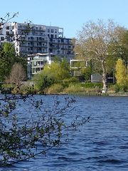 Berlin - Treptower Park an der Spree (Bild1)