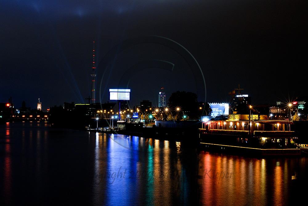 Berlin von der Oberbaumbrücke-Festival of lights 2009