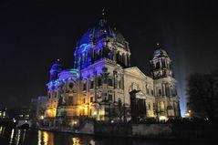 Berliner Dom, angestrahlt beim Festival of Lights