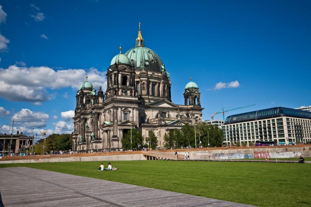 Berliner Dom vom Schlossgarten aus