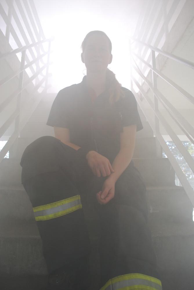 Berliner Feuerwehr: Woman in Smoke
