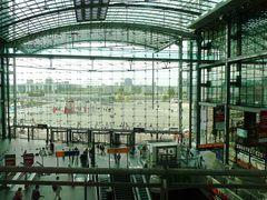 Berliner Hauptbahnhof auf Durchfahrt