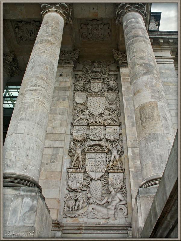 Berliner Reichstag - am Haupteingang