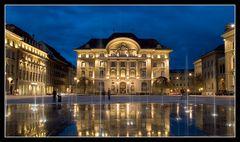 Bern Bundesplatz mit der Nationalbank