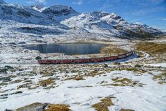 Bernina-Express beim Lago Bianco