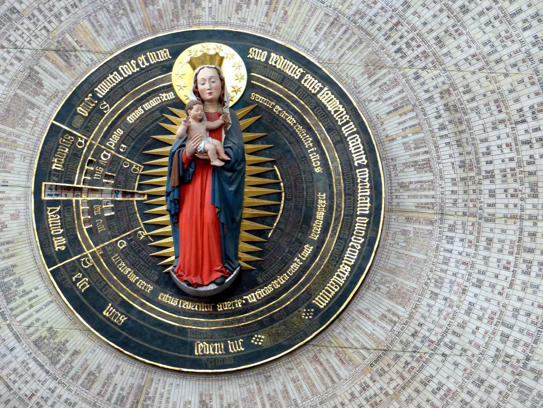 berühmt: Astronomische Uhr von Hans Düringer aus Nürnberg (1470). Marienkirche,Danzig. Polen
