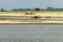 ...beschauliches Leben am Irrawaddy...