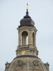 Besucher auf der Frauenkirche