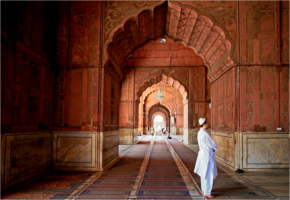 betender Moslem in der Jama Masjid