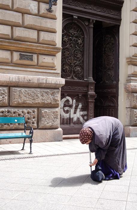 bettlerin, budapest