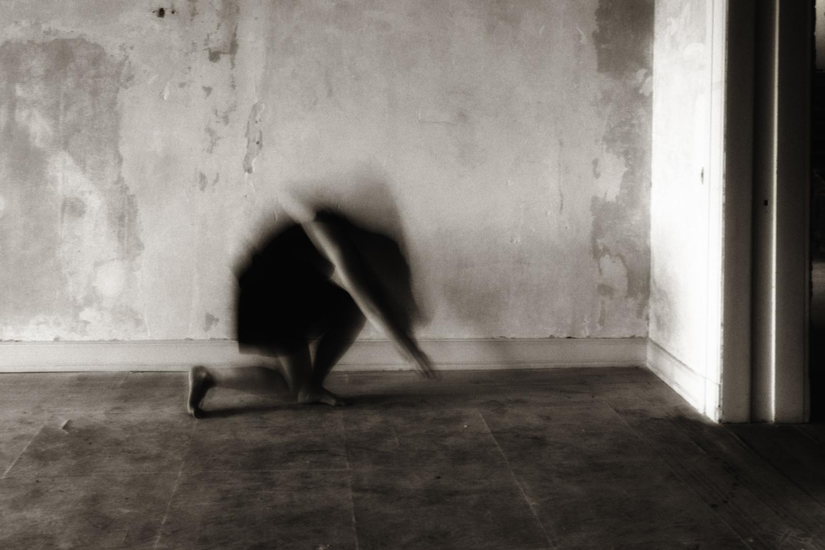 Bewegung der einsamen Frau