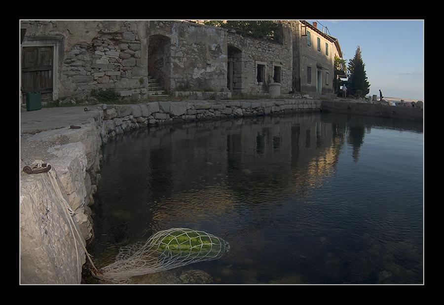 Bewohnte Ruinen an der Adria