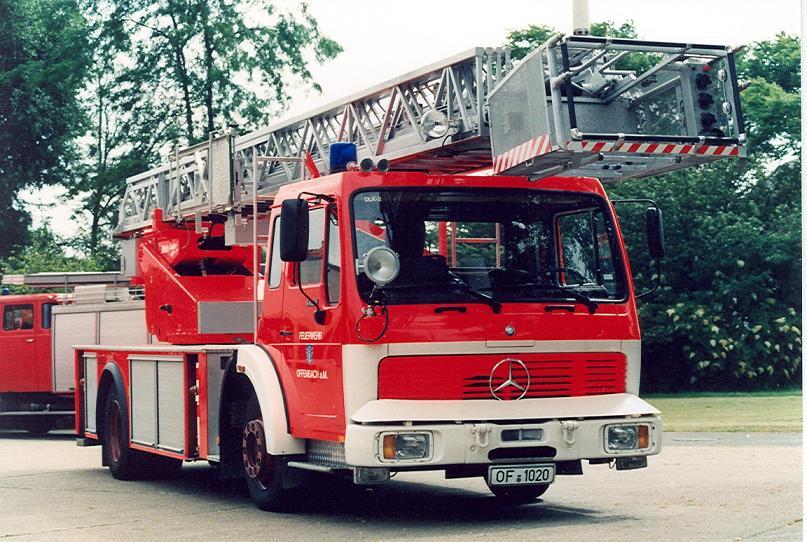 BF Offenbach/Main DLK-23/12nB MB 1422 F 42_ Metz