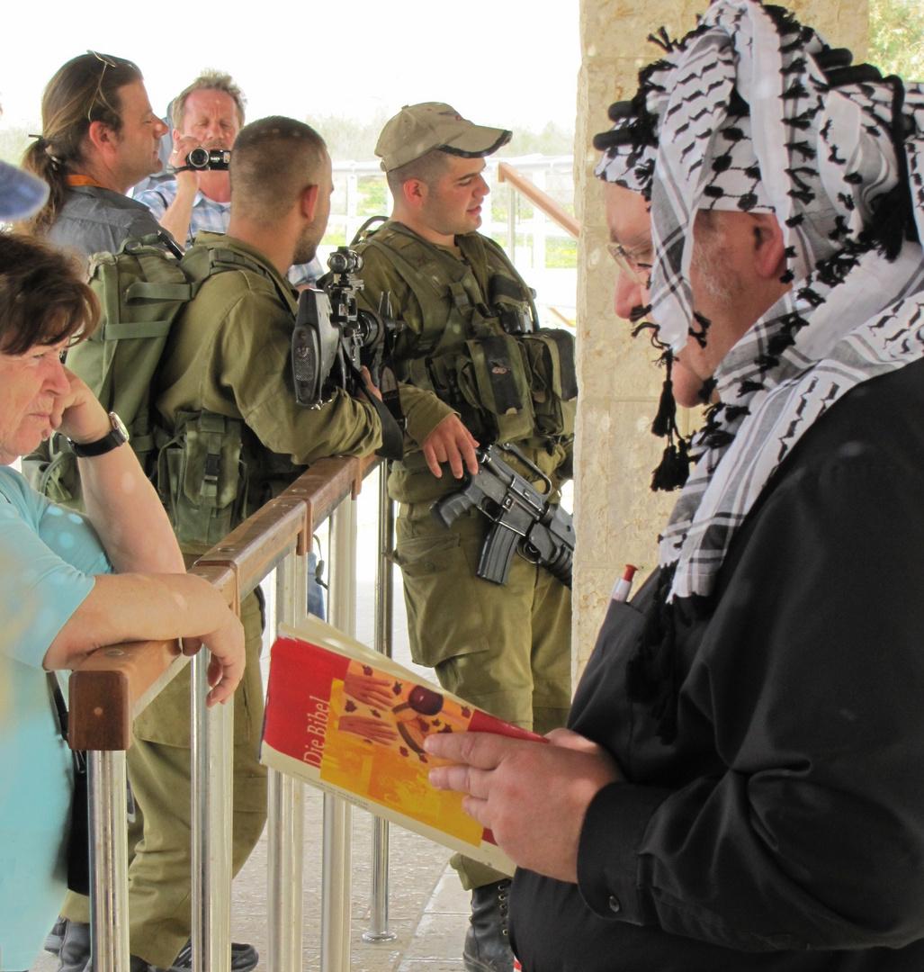 Bibel trifft Militär am Jordan