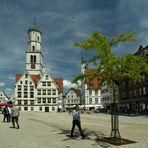 """Biberacher Marktplatz oder der """"Rote Schirm"""""""