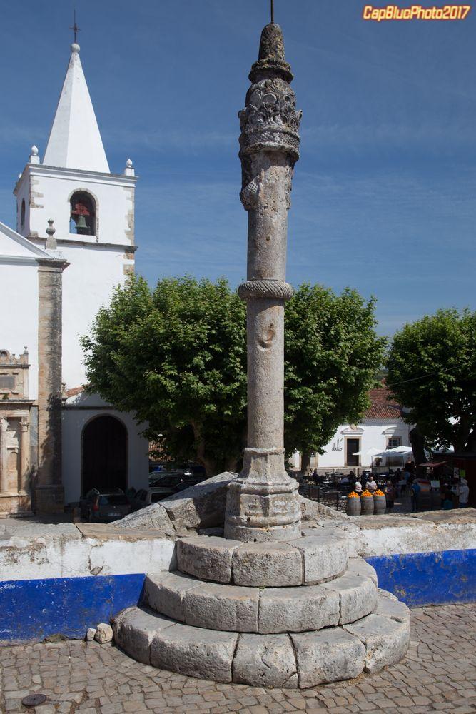 Óbidos Ein Schandpfahl, Zeichen des Stadtrechts der Gemeinde.