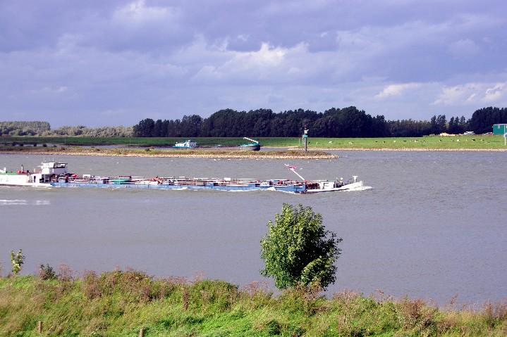Bifurkation des Rheins bei Millingen (NL) ...