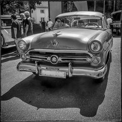 Big '52 Ford Crestline