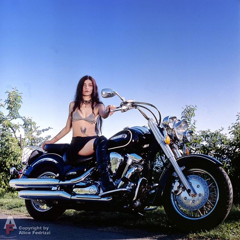 Bike-Girl Occasional