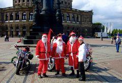 °°° Bikerweihnacht 2015 - Huch wir sind die ersten auf dem Theaterplatz vor der Semperoper °°°