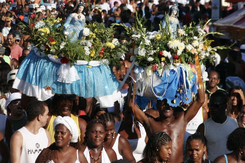 Bilder vom Fest für Iemanjá (afrikanische Meeresgötting)