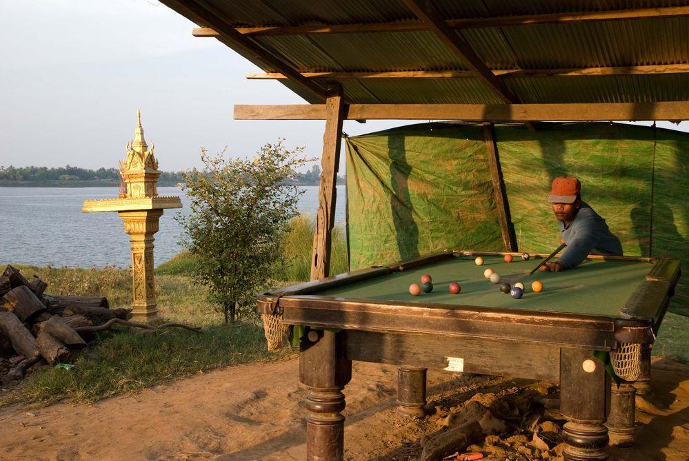 Billiard am Mekong