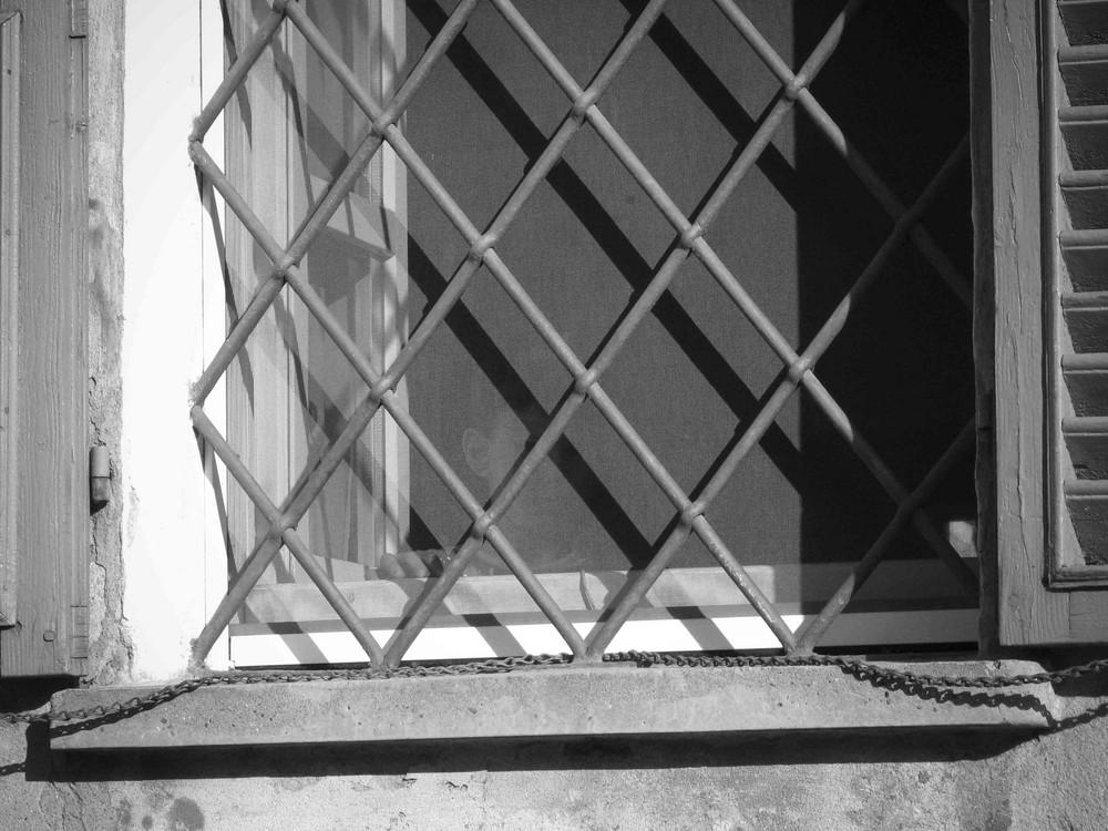 Bimbo alla finestra