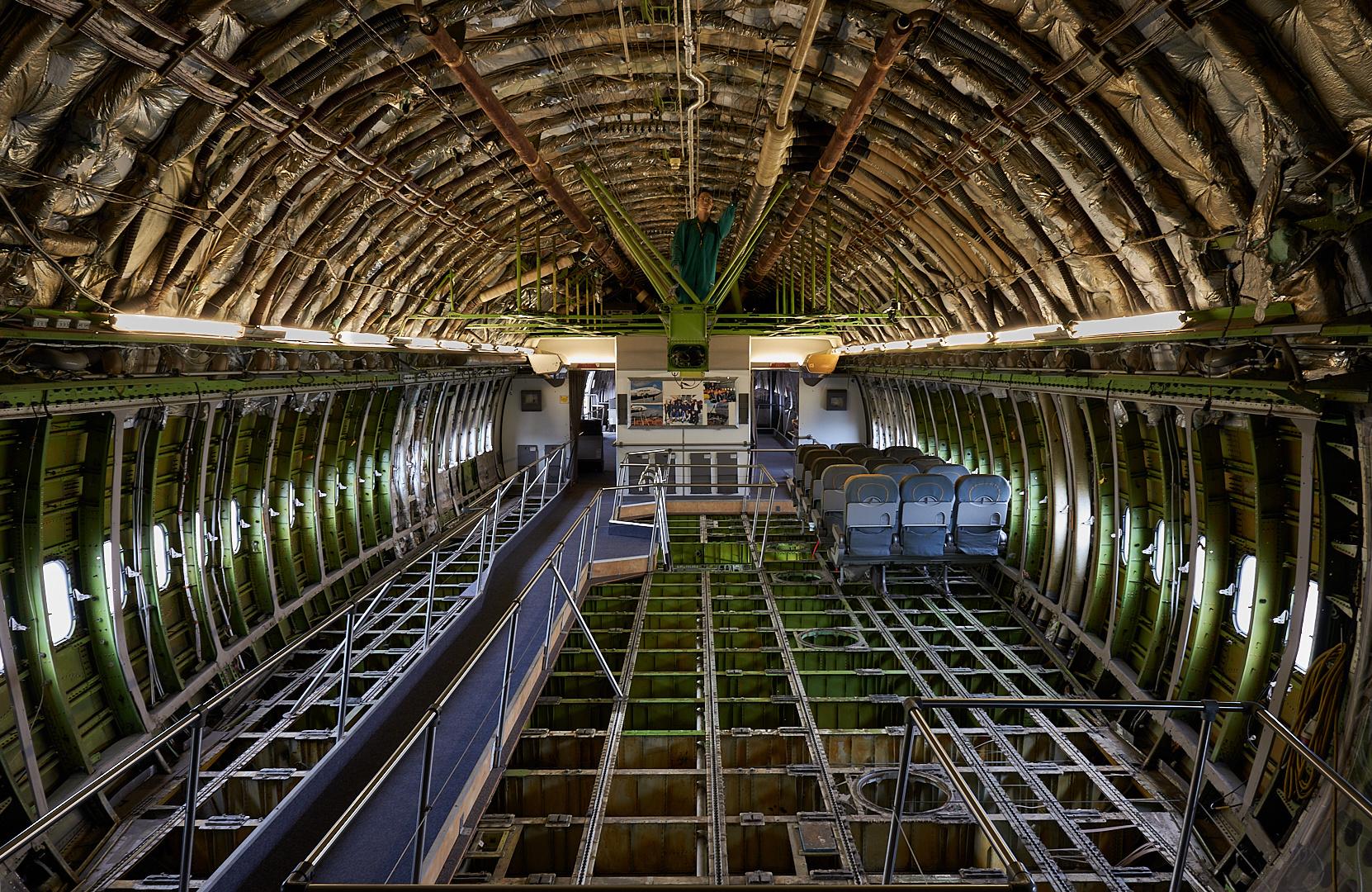 Bin wieder gelandet. Im Bauch des Riesenvogel Boeing 747 bekommen die Besucher des...