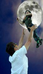 Bis zum Mond und wieder zurück...