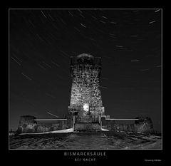 Bismarcksäule bei Nacht