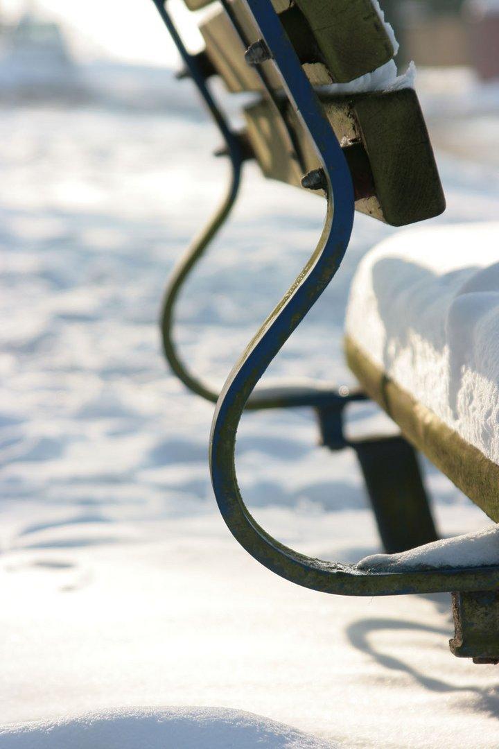 Bitte setzen - Schneebank