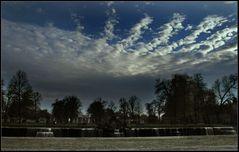 Bizarre Wolkenformation...