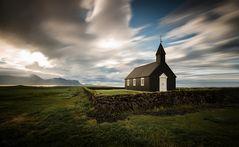 [ ... black church - Búðir ]