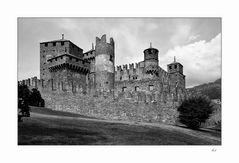 black-white-castle