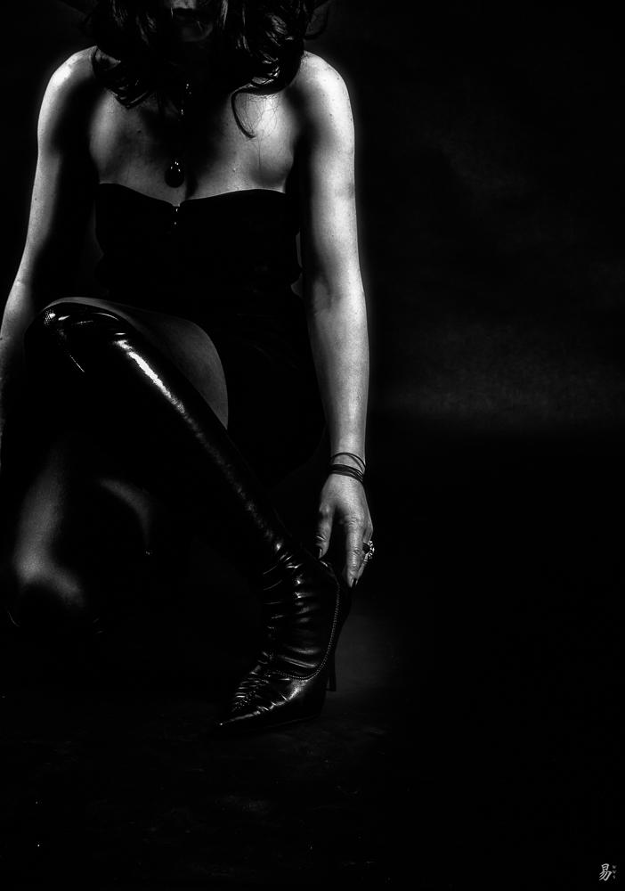 black.magic.boots