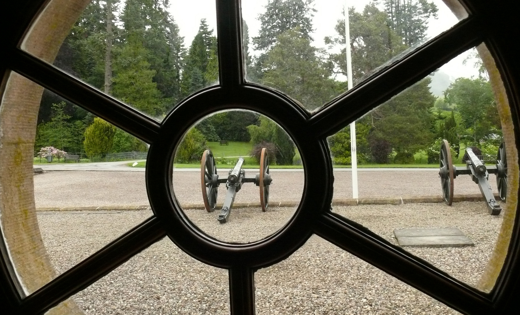 Blair Castle in Schottland Blick aus dem Fenster
