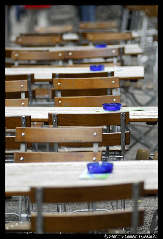 Blau im Biergarten