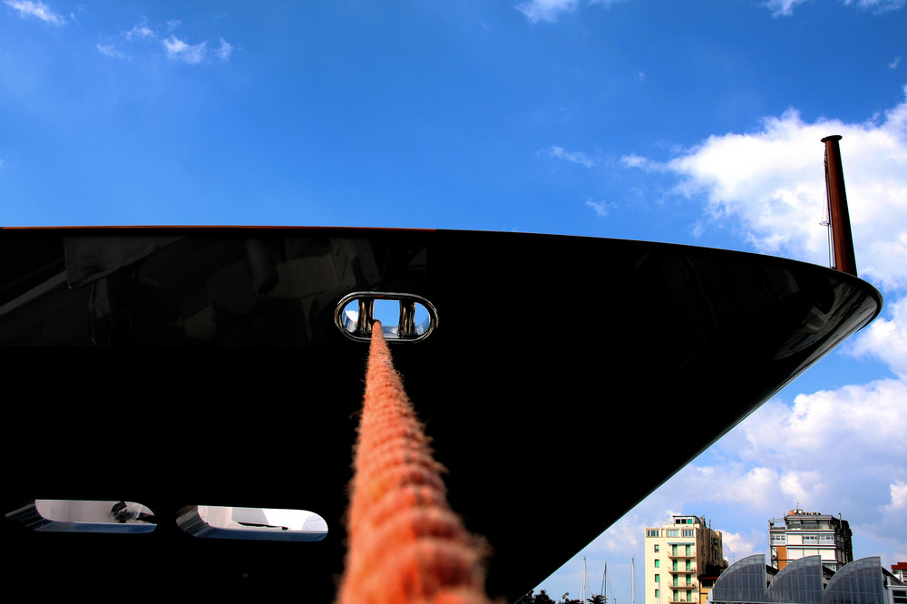 blau-schwarz-orange