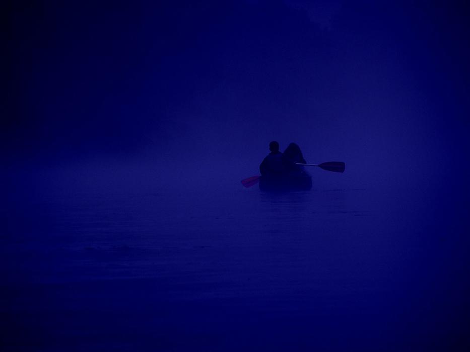 BLAU: VERTRAUEN... oder: wenn wir zu zweit in einem Boot sitzen...