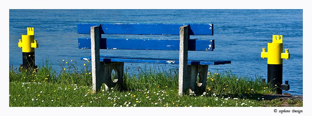Blaue Bank