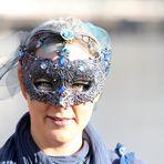 Blaue Maske
