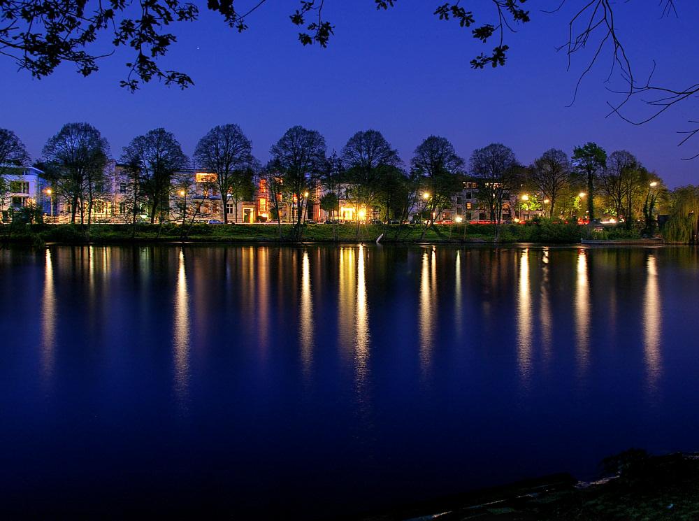 Blaue Nacht am Leinpfad